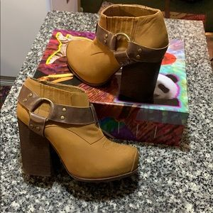 Jeffery Campbell Boots. Size 7. NWT.